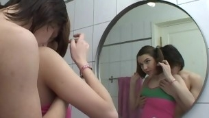 Legal Ripen Teenager whore opens her mouth widely to welcome a curtain rod