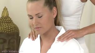 Sizzling hot lesbian massage with Uma, Zuzana and Lola