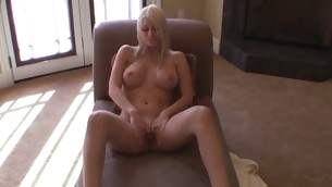 Cutie teases a lascivious unchaperoned added to gets his huge cyclical dong