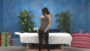 Sexy eighteen underwriter gets fucked steadfast wits her massage therapist