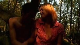 Skinny blond wildly enjoys the XXX screwing inside the forest