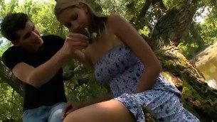 Hugecocked male seduces illegality sweetheart nigh try sex in a forest